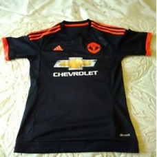 MANCHESTER UNITED ADIDAS FOOTBALL SHIRT CHEVROLET SIZE SMALL BOYS